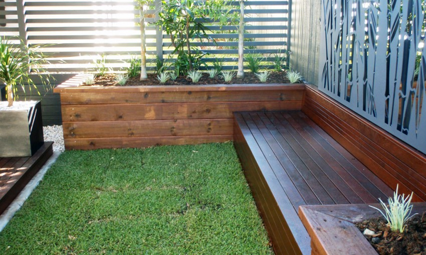 Horizontal privacy fence with planters for Privacy wall planter