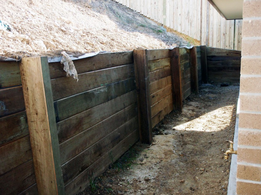 How to lay railway sleepers in the garden home page for Garden decking hinckley