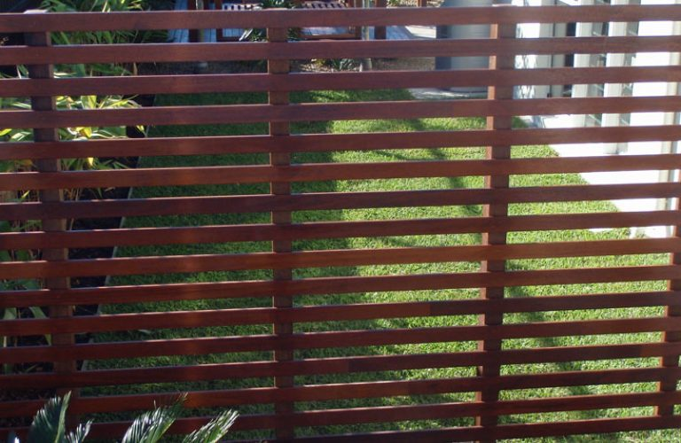Timber Privacy Screen